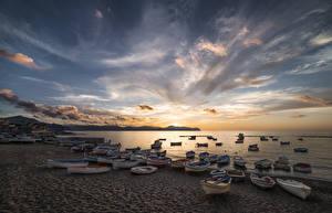 Фотография Берег Лодки Рассвет и закат Небо Облака Природа