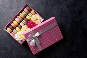 Картинка Печенье Макарон Коробка Бантик Продукты питания