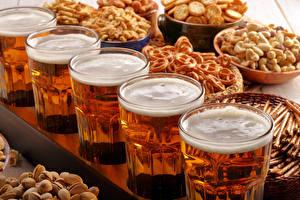 Обои Напитки Пиво Орехи Выпечка Стакан Пена Еда