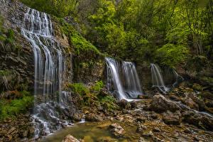 Обои Франция Водопады Камень Скала Кусты Doriaz Waterfall