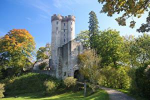 Фотографии Германия Замки Деревья Kasselburg Castle Vulkaneifel
