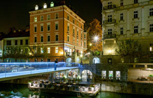 Картинка Любляна Словения Дома Мосты Уличные фонари Ночь