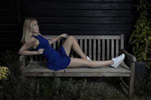 Картинки Ног Красивая Блондинка Скамейка Платья Mathilde молодые женщины