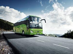 Обои Мерседес бенц Автобус Скорость Салатовые 2017 Tourismo 15-2 RHD Автомобили
