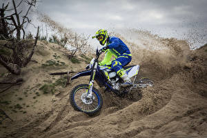Фото Мотокросс Песок Мотоциклист Шлем 2017 Sherco 300 SEF-R Factory