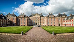 Обои Нидерланды Дворец Газон Het Loo Palace Guelders Города картинки