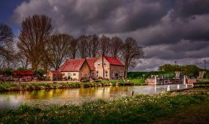 Фото Нидерланды Речка Дома Деревья HDR Dirksland Города