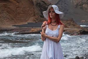 Фотография Piper Fawn Рыжая Платье Шляпа Взгляд Девушки
