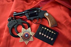 Фотографии Пистолеты Пули Револьвер Наручники Detective Special 3 colt 1970 Армия