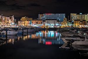 Картинка Португалия Дома Причалы Яхта Ночные Faro Города