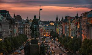 Картинка Прага Чехия Дома Памятники Вечер Улица