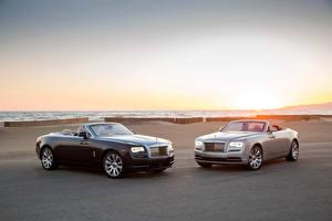 Картинки Rolls-Royce Двое Кабриолет Металлик Роскошные 2016 Dawn Авто