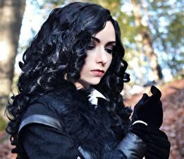 Картинка Ведьмак 3: Дикая Охота Брюнетка Волосы Косплей Yennefer Девушки