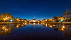 Фотографии Бангкок Таиланд Пруд Ночь Уличные фонари
