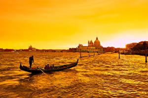 Обои Лодки Побережье Италия Вечер Венеция