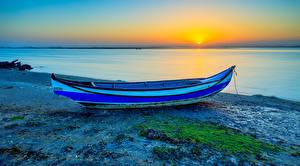 Обои Берег Лодки Рассветы и закаты Речка