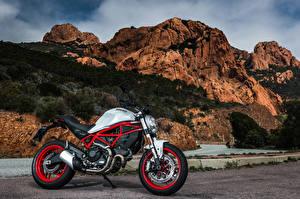 Фотографии Ducati Сбоку 2017 Monster 797 Мотоциклы