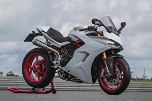 Фотография Ducati Серый 2017 SuperSport S Sport Pack
