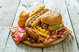 Фото Быстрое питание Гамбургер Хот-дог Сыры Картофель фри Мясные продукты Доски Чипсы Еда