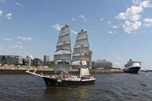 Картинки Гамбург Речка Германия Корабли Парусные