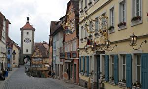 Обои Здания Германия Улица Бавария Уличные фонари Rothenburg ob der Tauber, Siebersturm