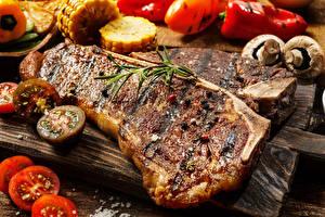 Картинки Мясные продукты Грибы Томаты