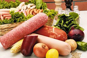 Фото Мясные продукты Колбаса Сосиска Лук репчатый Овощи