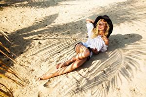 Фото Полина Гагарина Сергеевна Ноги Песок Пляж Красивые Блондинка Девушки Знаменитости
