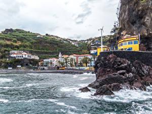 Фотографии Португалия Курорты Здания Берег Утес Madeira Ponta do Sol