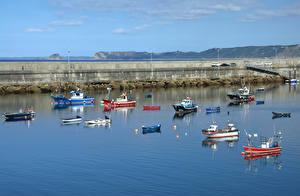Фото Испания Лодки Катера Залив Luarca Asturias Природа