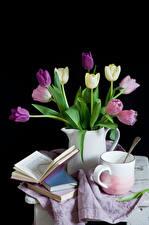 Картинки Натюрморт Тюльпаны Черный фон Чашка Книга Кувшин Цветы