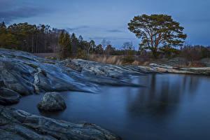 Картинка Швеция Озеро Берег Камень Вечер Природа