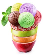 Фотографии Сладости Мороженое Фрукты Белом фоне Шар Дизайна Еда