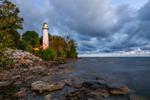 Обои Штаты Берег Маяки Камень Pointe Aux Barques Lighthouse
