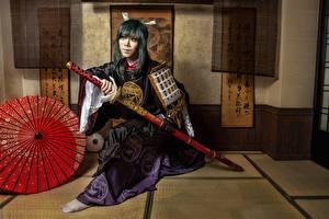 Фотографии Воин Катана Самураи Кимоно С мечом Сабли девушка