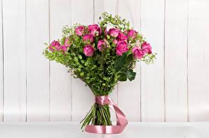 Обои Букеты Розы Доски Розовый Ленточка Цветы