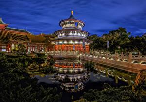 Картинки Мосты Пруд Штаты Ночные Флорида Walt Disney World, China Pavilion, Orlando
