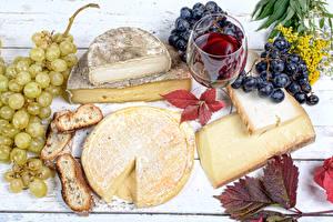 Картинка Сыры Виноград Вино Хлеб Бокалы Пища