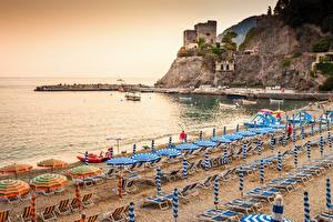 Обои Берег Италия Лигурия Пляж Шезлонг Зонт Monterosso al Mare Города