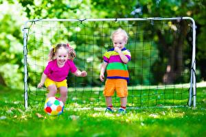 Фото Вратарь в футболе Футбол 2 Мальчики Девочки Мяч Улыбка Ребёнок