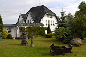 Обои Литва Дома Скульптуры Ель Kretinga Города