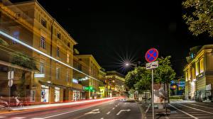 Картинки Опатия город Хорватия Дома Дороги Улица Ночные Уличные фонари Города