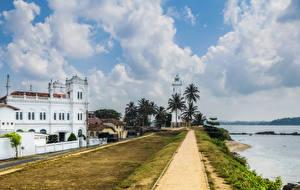 Обои Шри-Ланка Здания Берег Маяки Небо Облака Galle fort Города