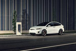 Обои Tesla Motors Белая 2017 Novitec Model X автомобиль