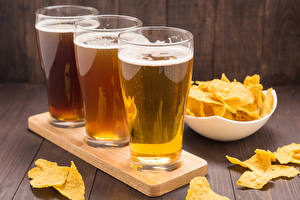 Beer_Highball_glass_Three_3_Chips_529912