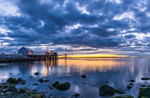 Картинки Канада Пейзаж Река Пристань Небо Рассветы и закаты Камни Ванкувер Облачно Природа