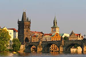 Картинки Чехия Прага Дома Река Мосты Карлов мост Города