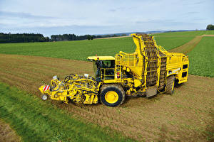 Обои Поля Сельскохозяйственная техника Желтый 2013-16 ROPA Panther Combine harvester