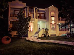 Картинка Греция Дома Особняк Ночь Ель Уличные фонари Thassos