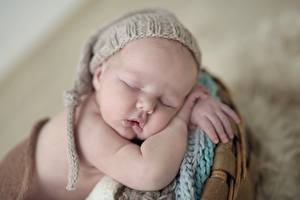 Фотографии Грудной ребёнок Сон Шапки